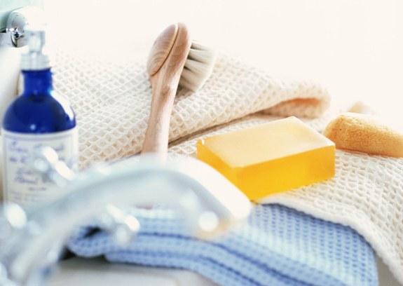Щетка мыло полотенце и гель для душа!